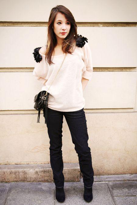 IMG_0032_Julie avec pull rose et sac noir v5_web